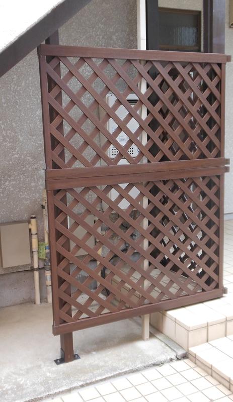 川崎市 階段下の目隠しフェンス